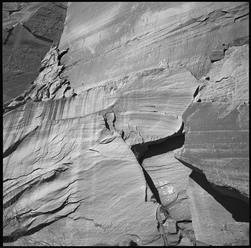 canyon_de_chelly_walls_symbols