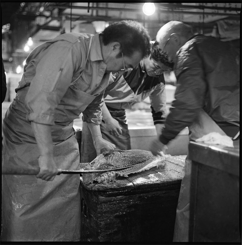 tsukiji_three_men_and_fish