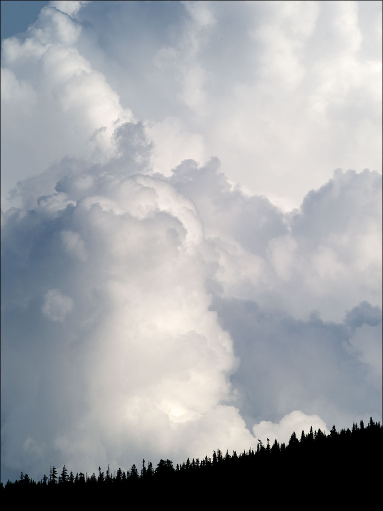 white_mountains_cloudscape