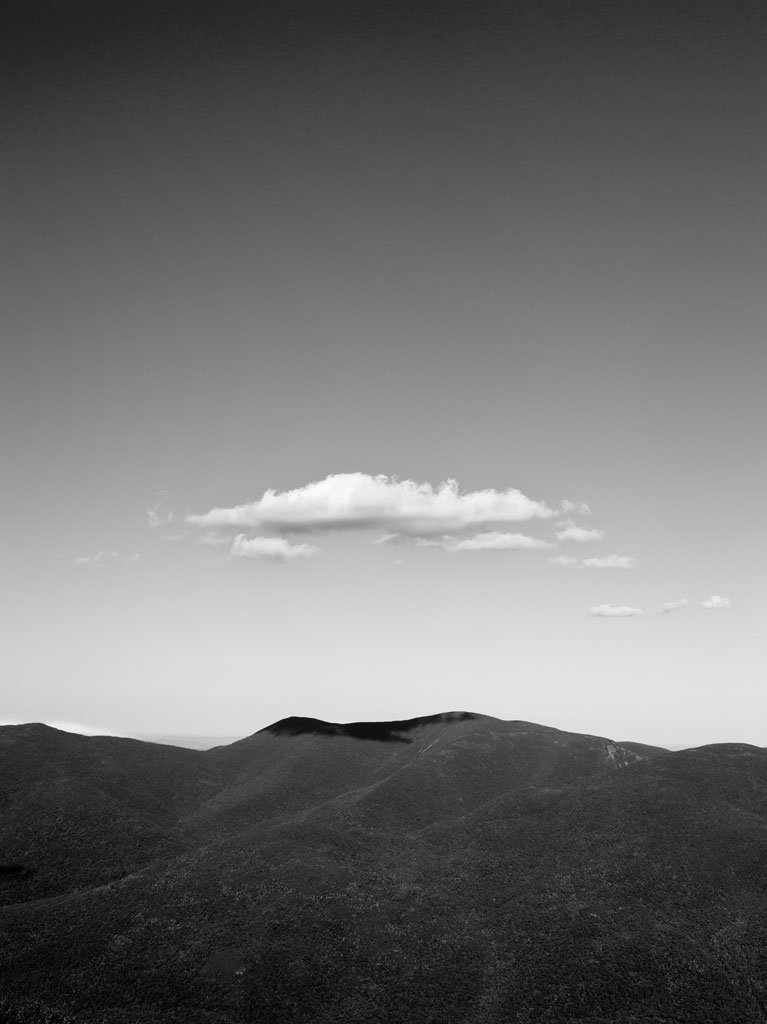 white_mountains_bw_cloud